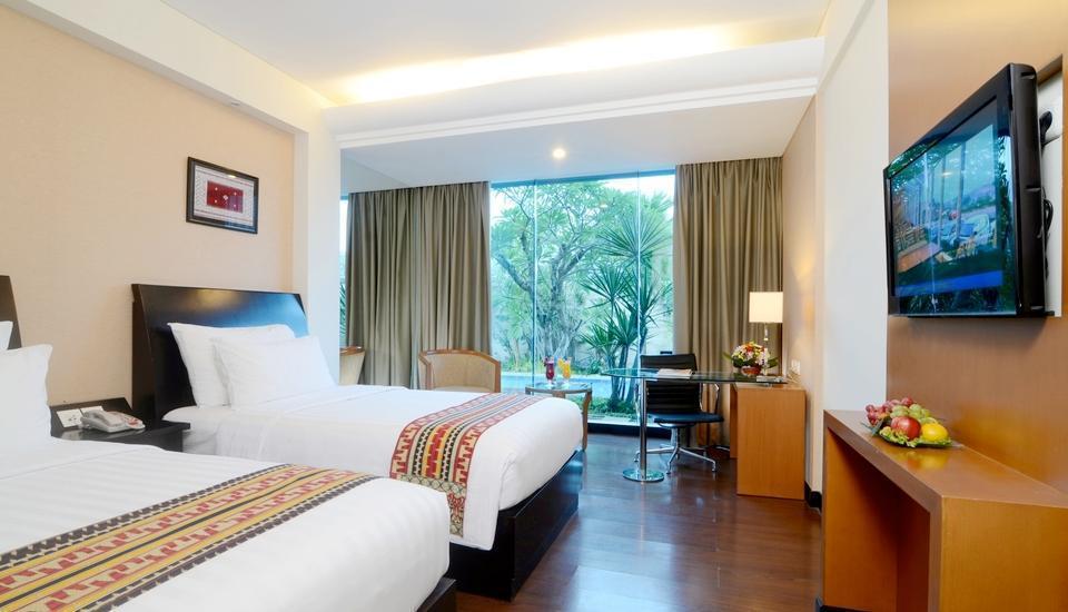 Emersia Hotel Lampung - Executive Pool Room