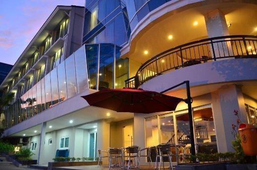 Emersia Hotel Lampung - Ruby Coffee Shop