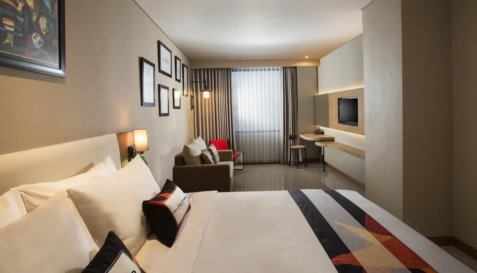 Yellow Star Gejayan Hotel Yogyakarta - Suite Room