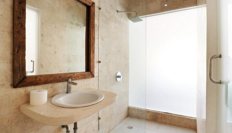 D'uma Residence Hotel Bali - Deluxe Bathroom