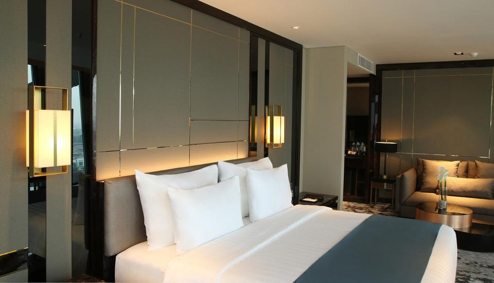 JHL Solitaire Gading Serpong a D Varee Collection South Tangerang - Executive Club Suite Last Minute Deal