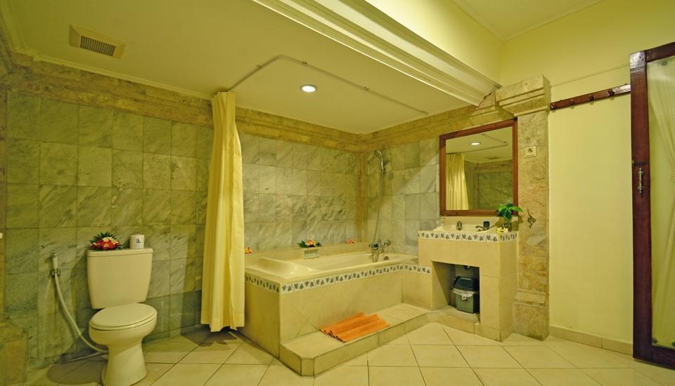 Puri Dewa Bharata Hotel & Villas Bali - Villa Kamar mandi lantai bawah