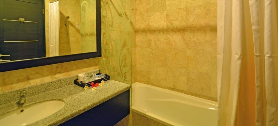 Puri Dewa Bharata Hotel & Villas Bali - Super Deluxe Room - Bathroom