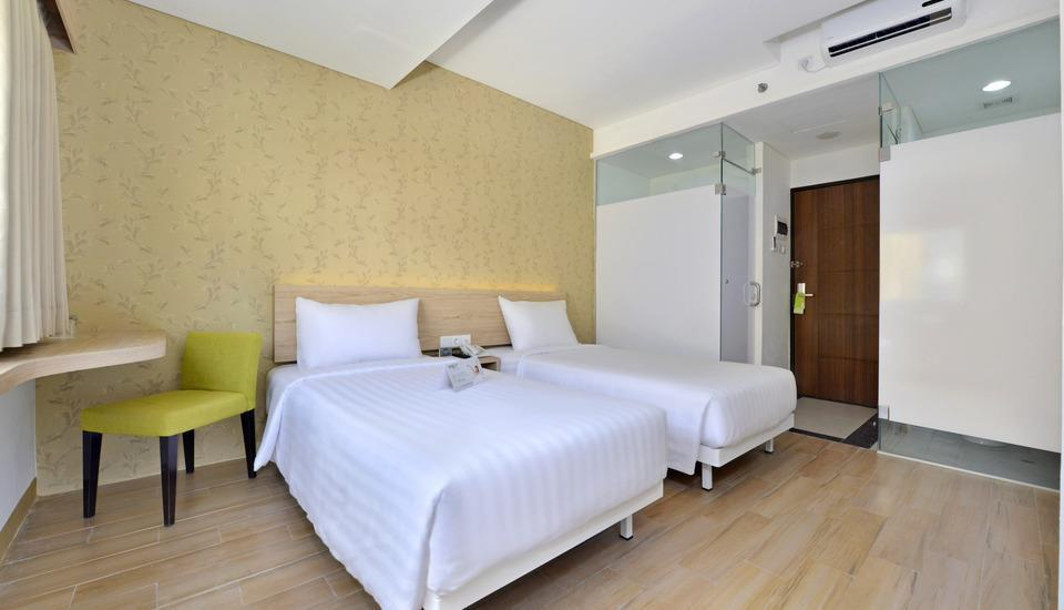 Whiz Hotel Falatehan Jakarta Jakarta - Standard Twin - Room Only Regular Plan