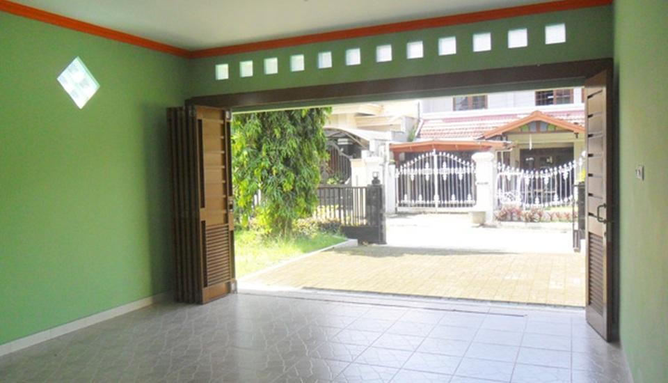 Simply Homy Guest House Sawit Sari 2 Yogyakarta - Garasi