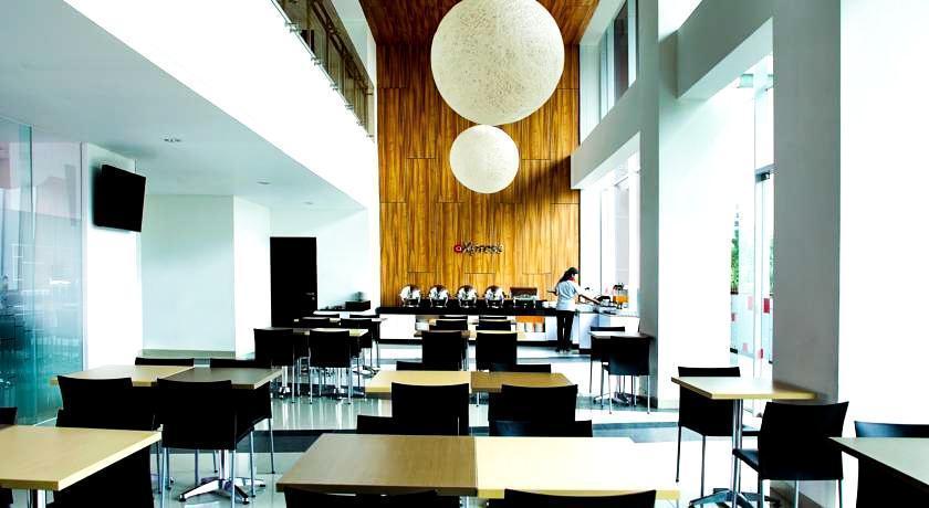 Amaris Tendean - Ruang makan