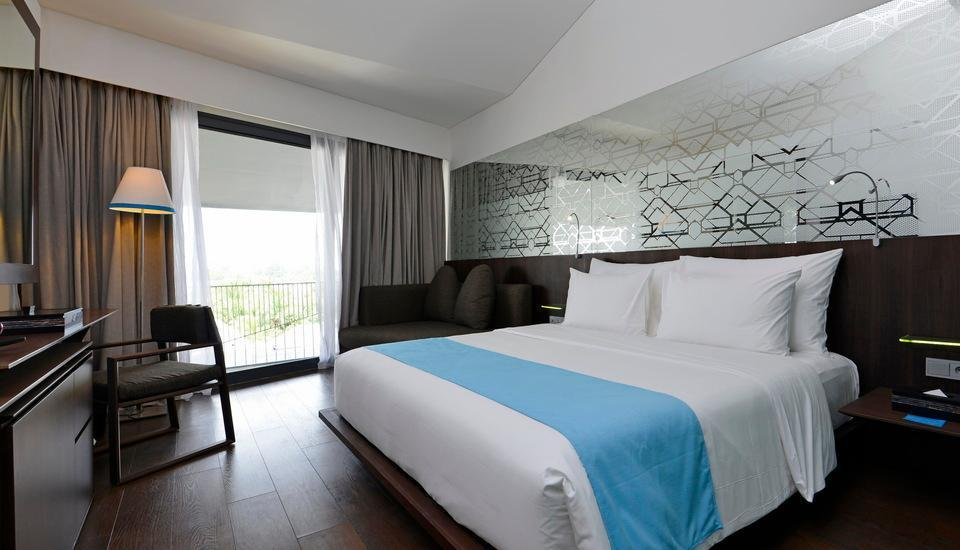 IZE Seminyak Bali - IZE Club Room Breakfast with FREE Daily Mini Bar Higher Room 37%