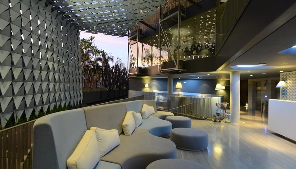 IZE Seminyak Bali - Lobby