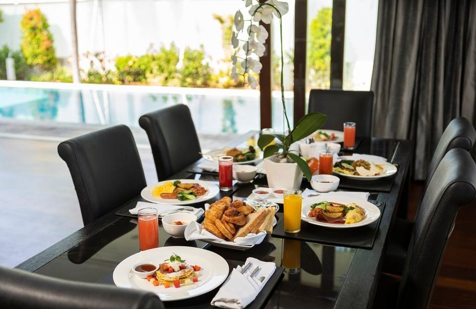 C151 Smart Villas at Seminyak - Breakfast