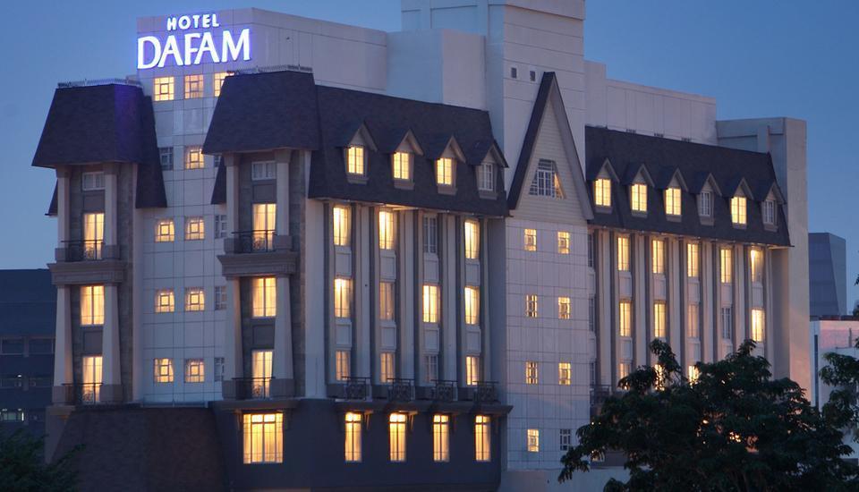 Hotel Dafam Semarang - Tampilan Depan Hotel