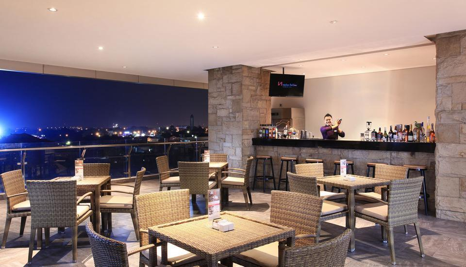 Swiss-Belinn Karawang Karawang - Pool Bar