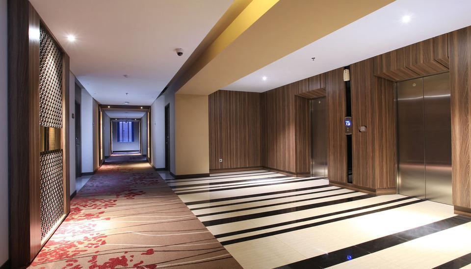 Swiss-Belinn Karawang Karawang - Room Corridor