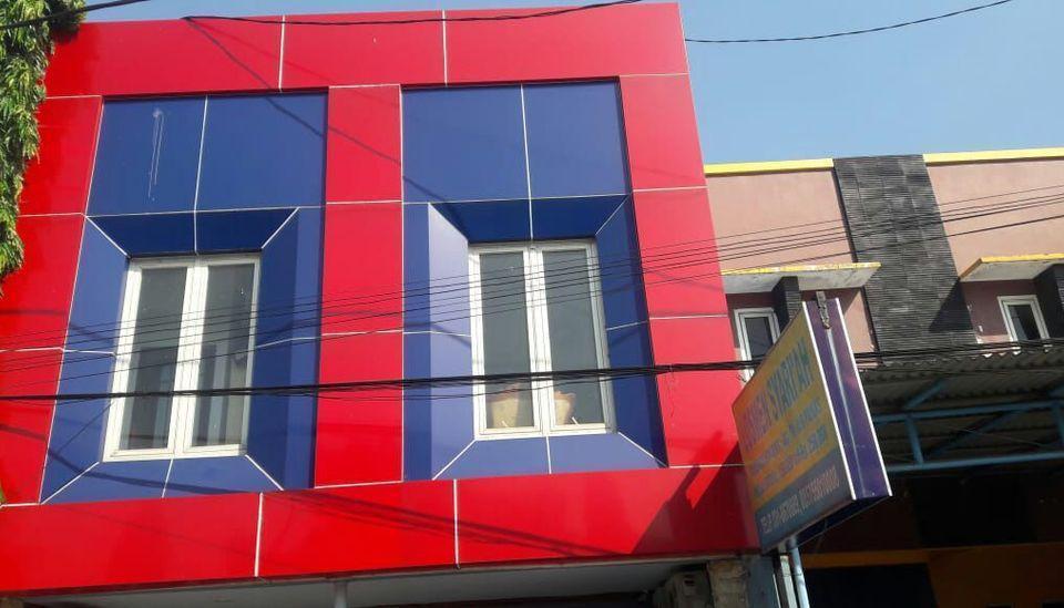 Losmen Syari'ah Surabaya Surabaya - Tampak Depan