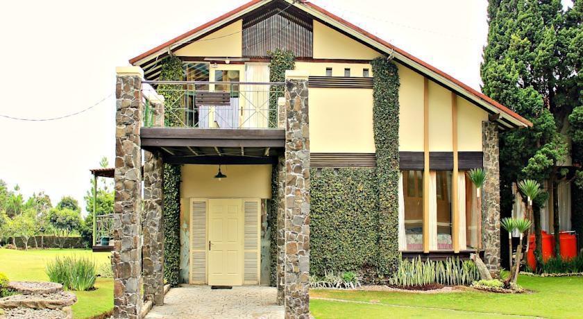De Villa I Istana Bunga Bandung - (27/Feb/2014)