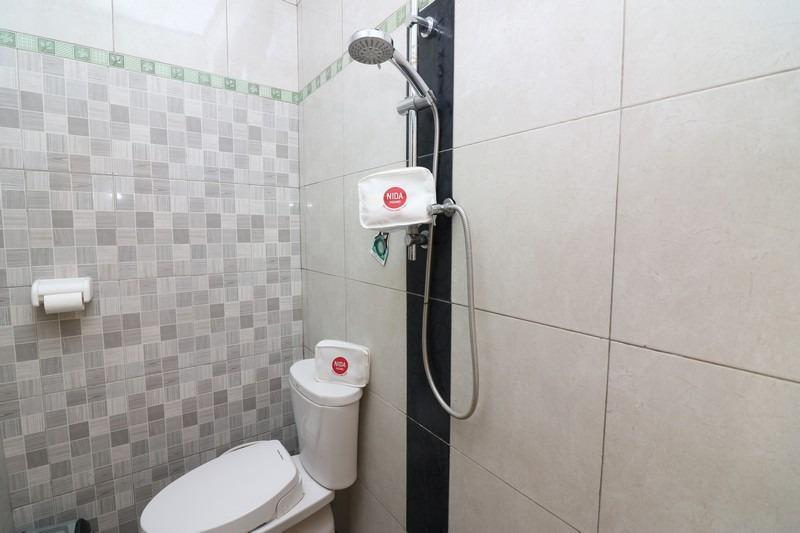 NIDA Rooms Polonia 25X Kuta Bali - Kamar mandi
