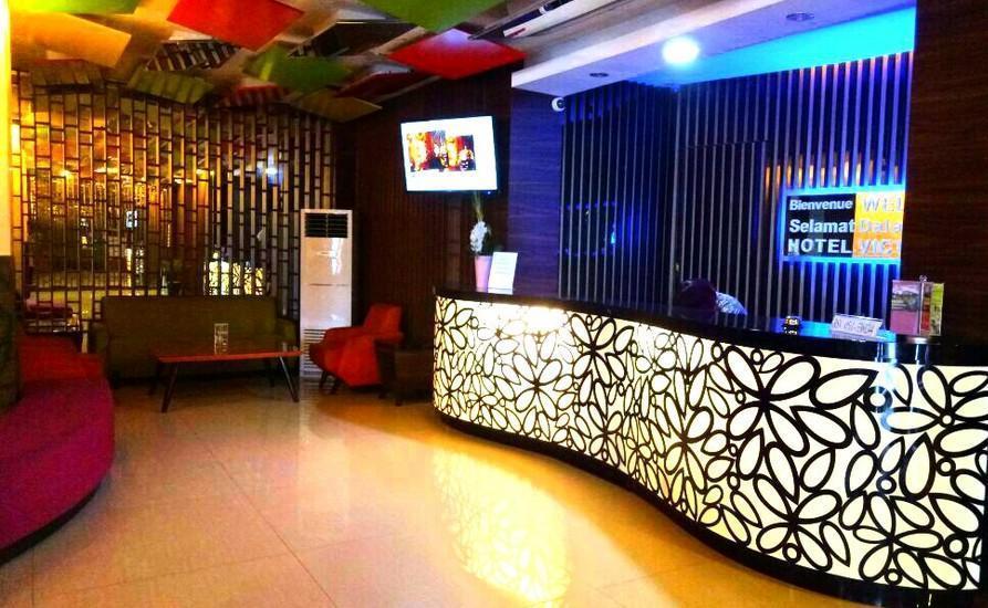 Hotel Victoria River View Banjarmasin - Receptionist