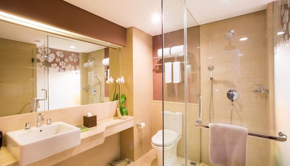 Grand Ixora Kuta Resort Bali - Kamar mandi