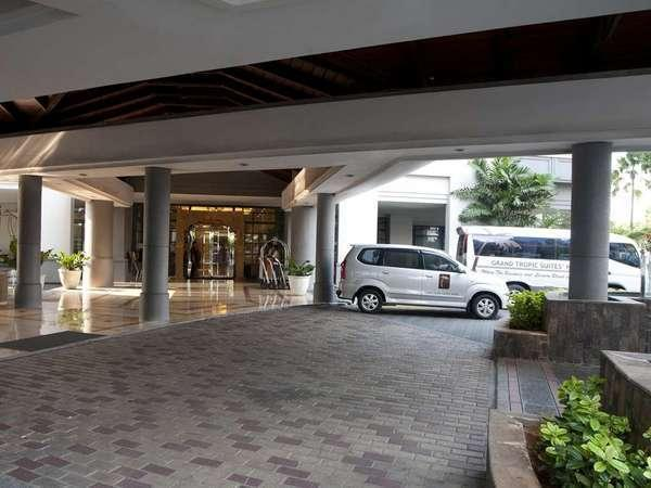 Grand Tropic Jakarta - Lobi