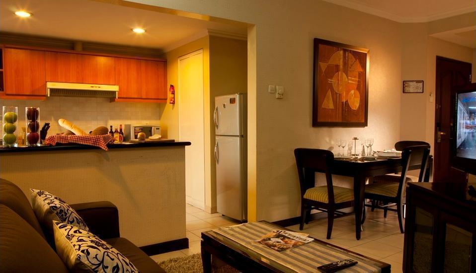 Grand Tropic Jakarta - Deluxe suite room only Regular Plan