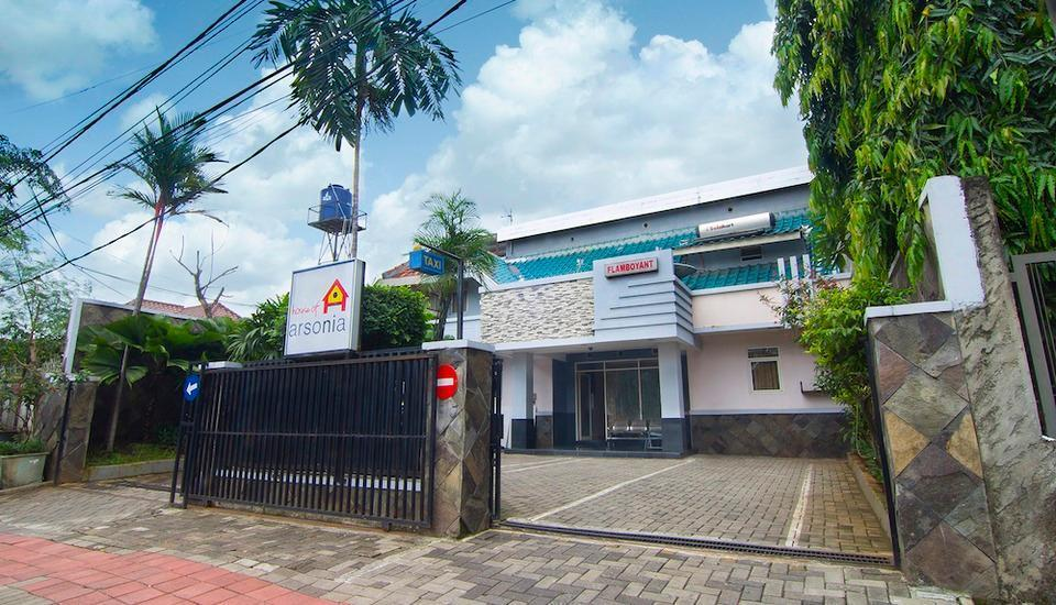 House of Arsonia Flamboyant Jakarta - Tampilan Luar Hotel