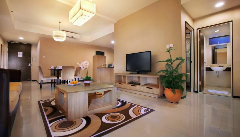 Aston Balikpapan - Royal Suite Living room