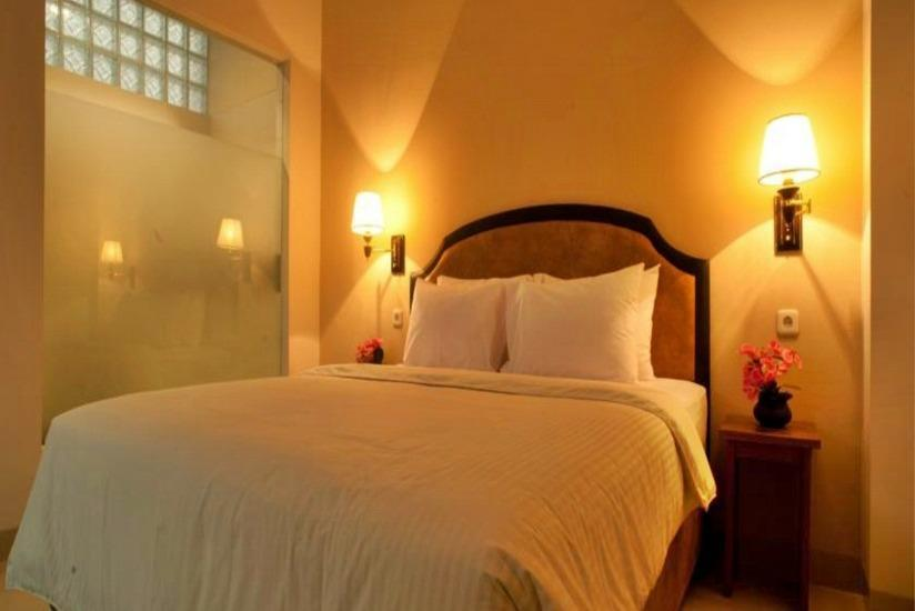 Asoka Hotel Bandung - Standard Room With Breakfast Regular Plan