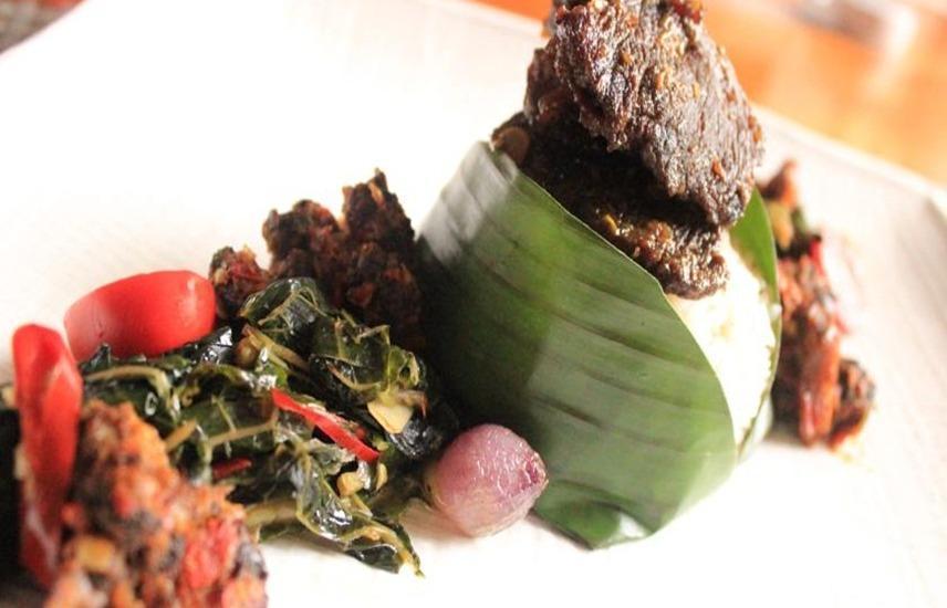 Jambuluwuk Puncak Resort Bogor - Makanan