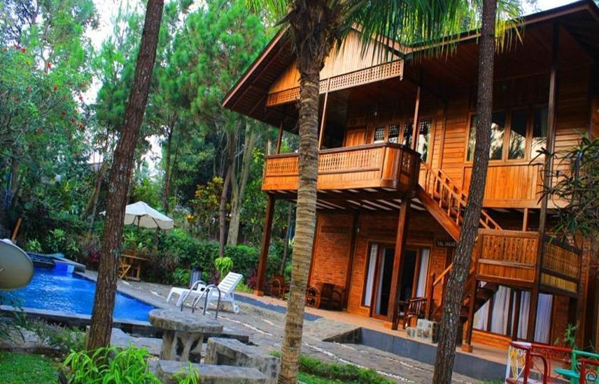 Jambuluwuk Puncak Resort Bogor - 3 Bedrooms Premier Room Only Regular Plan