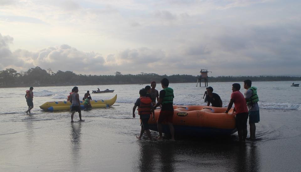 Eunike Surf Cottage Pangandaran - banana boat