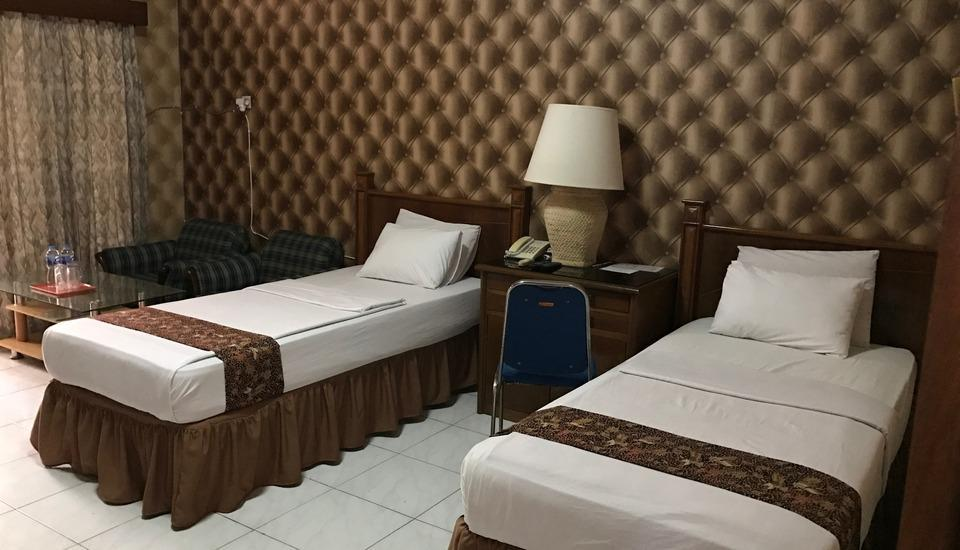 Palapa Hotel Purwokerto - Deluxe Twin Room Deal Of The Day 8%