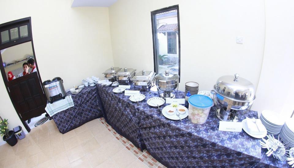 Sankita Hotel Ponorogo - Buffet Set