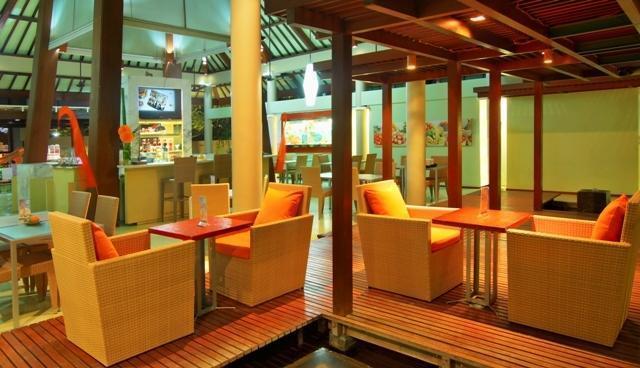 HARRIS Hotel Tuban - Lounge