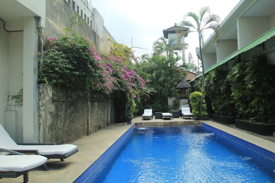 Su's Cottages II Bali - Outdoor Pool