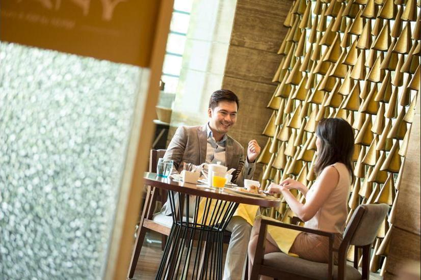 Holiday Inn Kemayoran Jakarta - Couples Dining