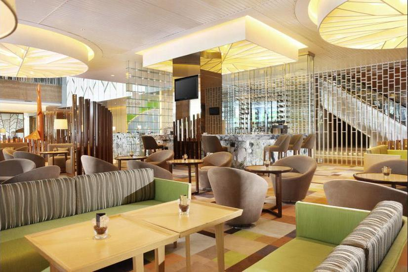 Holiday Inn Kemayoran Jakarta - Hotel Bar