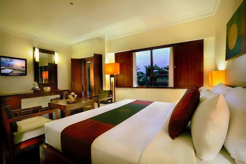 Grand Aston Bali Beach Resort - Outdoor Dining