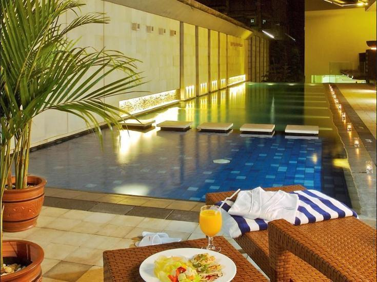 Novotel Bandung - Hotel Front
