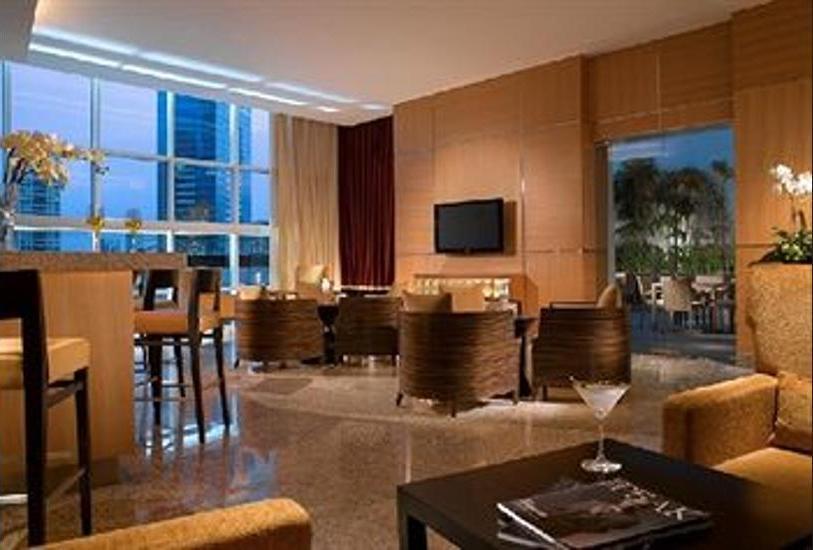 Oakwood Premier Cozmo Jakarta - Hotel Lounge