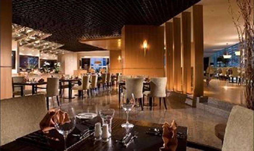 Oakwood Premier Cozmo Jakarta - Restaurant