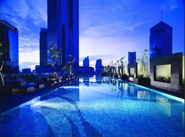 Oakwood Premier Cozmo Jakarta - Pool