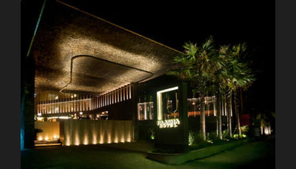 U Paasha Seminyak - Hotel Front