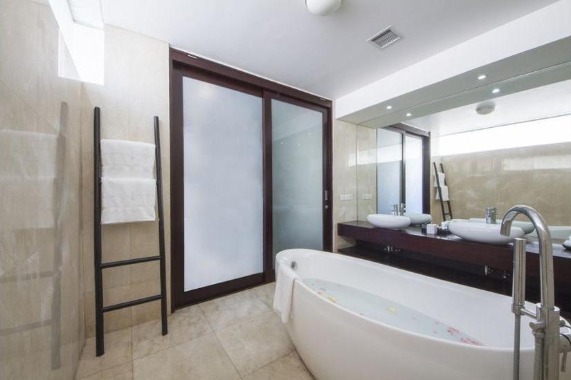 Montigo Resorts Seminyak - Suite Eksekutif (1 King Bed) Regular Plan