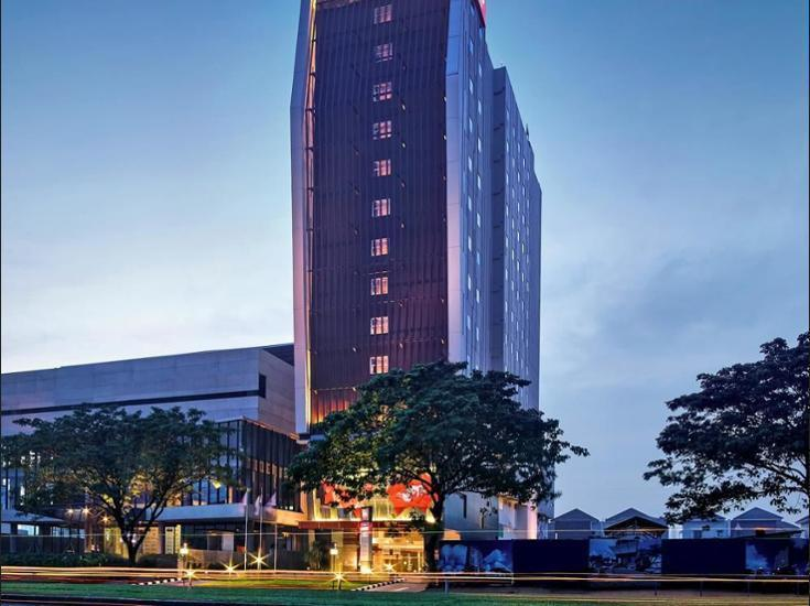 Ibis Gading Serpong - Hotel Front