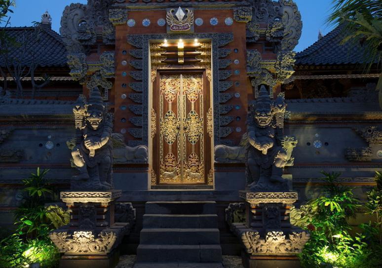 Dwaraka The Royal Villas Bali - Hotel Front - Evening/Night