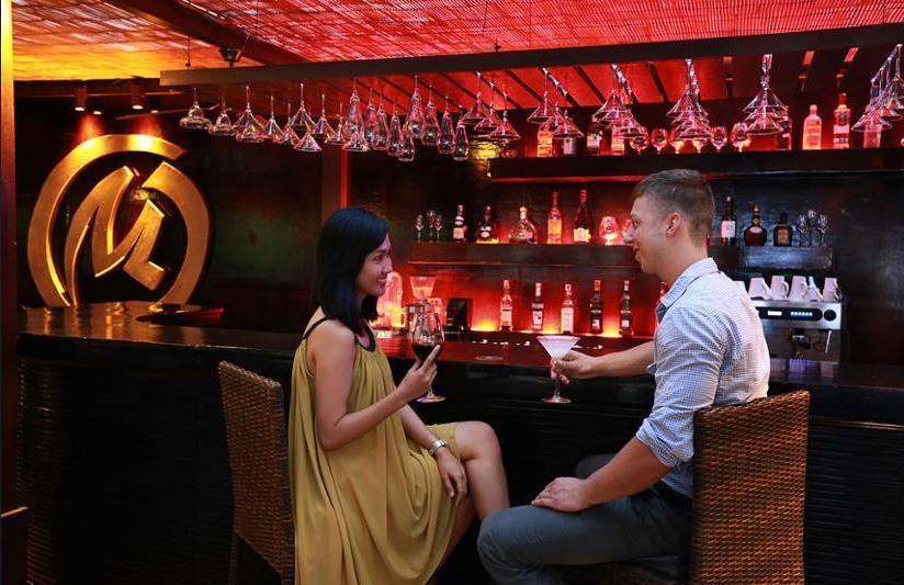 The Royal Beach Seminyak - Hotel Bar