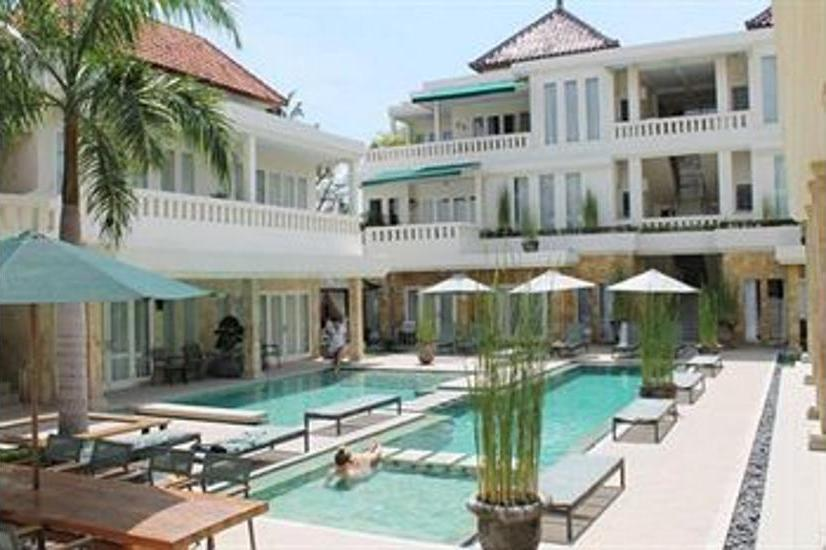 Bali Court Hotel and Apartments Bali - Outdoor Pool