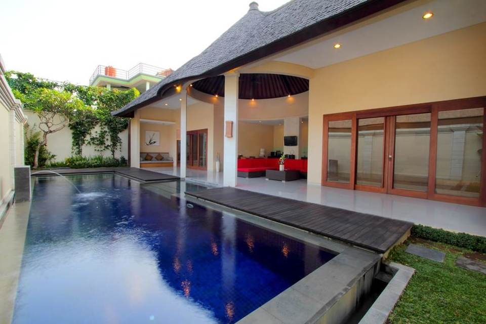 Tarif Hotel Oval Villa Bali (Bali)