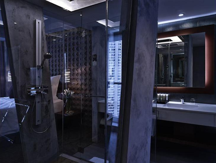 Pullman Jakarta Central Park - Bathroom