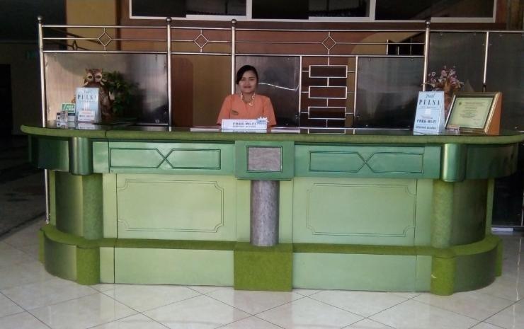New Merdeka Hotel Jember - Lobby