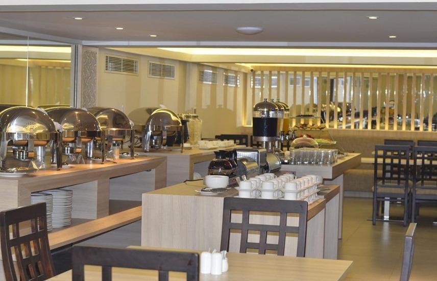 Double G Resort Anyer - Restaurant